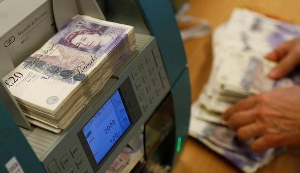 Способы перевести деньги из Англии в Россию