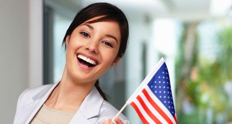 кто имеет право продлить визу