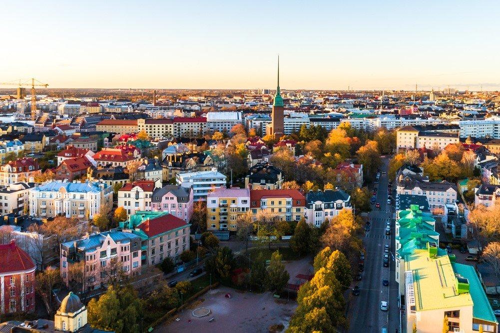 Зарплата финляндия самая дешевая недвижимость у моря