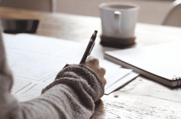 пишут ручкой