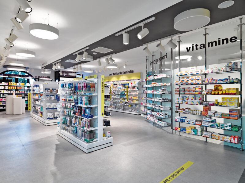 есть ли русские аптеки в италии
